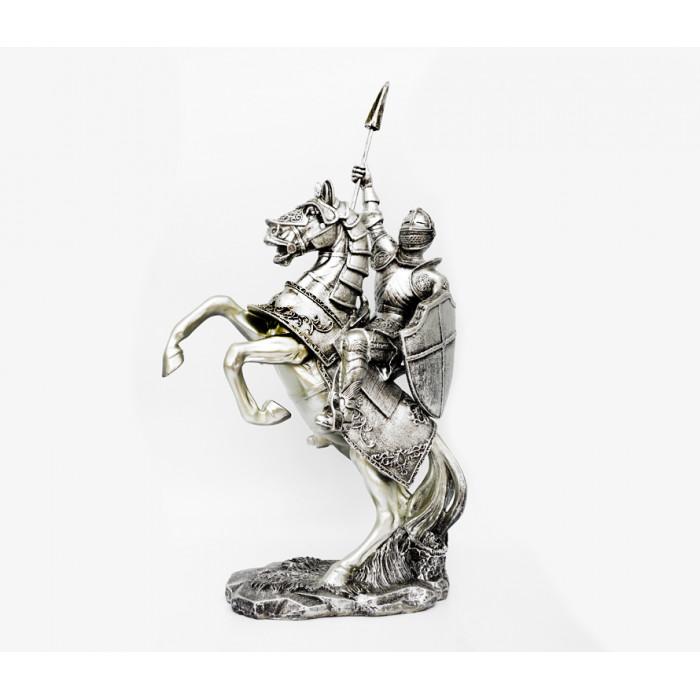 "Figurine ""Knight"" polystone №32"