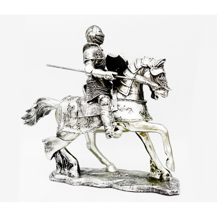 "Figurine ""Knight"" polystone №31"